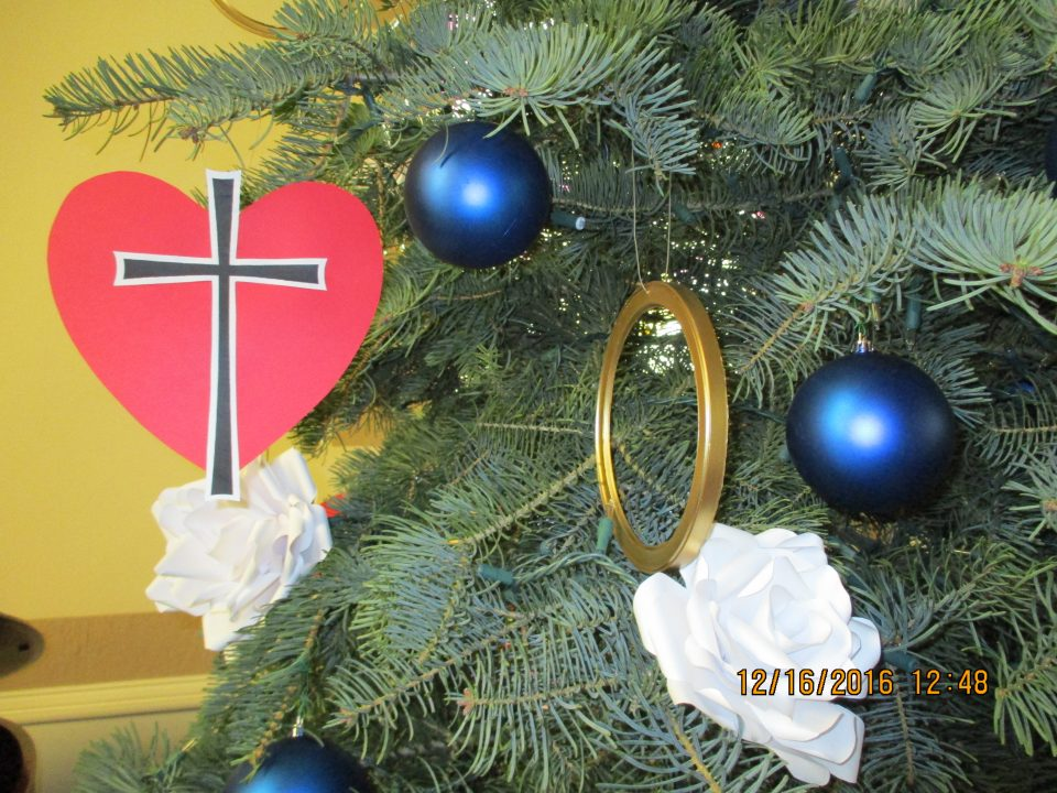 Reformation stories: Christmas tree decorations from ...
