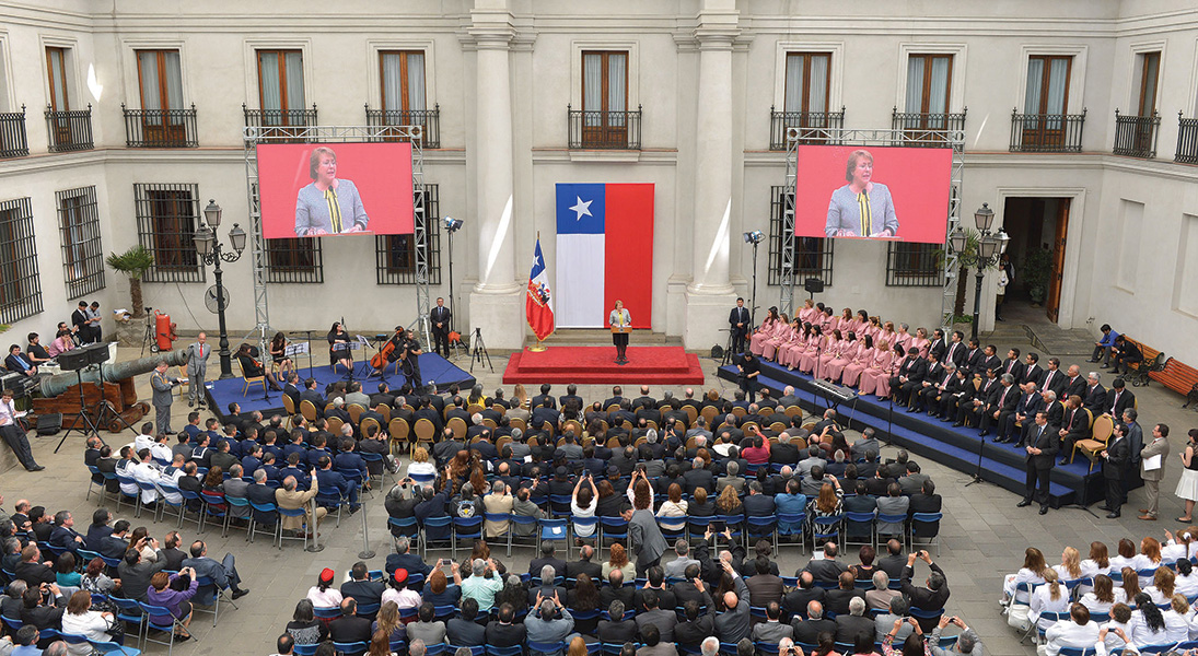 Ceremony in Chile's Palace of the Moneda for the National Day of the Evangelical and Protestant Churches in 2014.